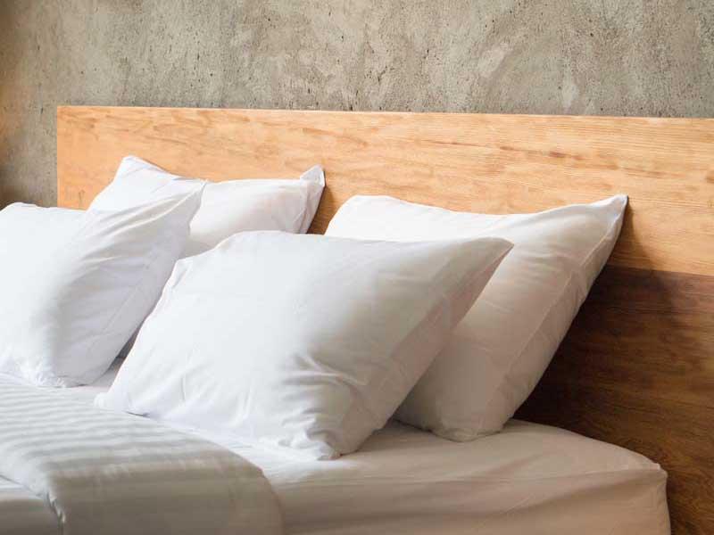 Cadre et tête de lit en chêne massif